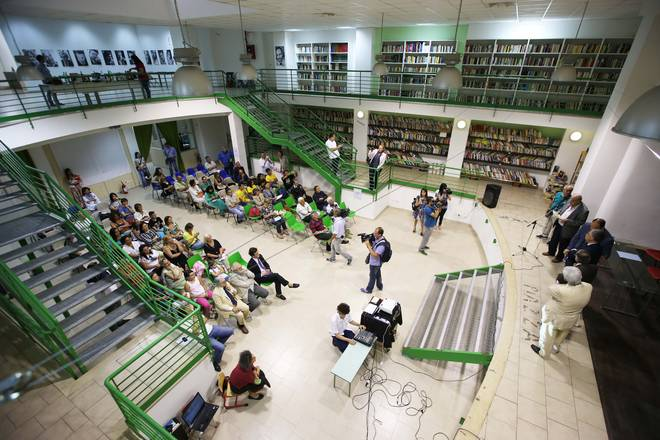 """Biblioteca """"ANNALISA DURANTE"""" - Piazza Forcella - Napoli"""